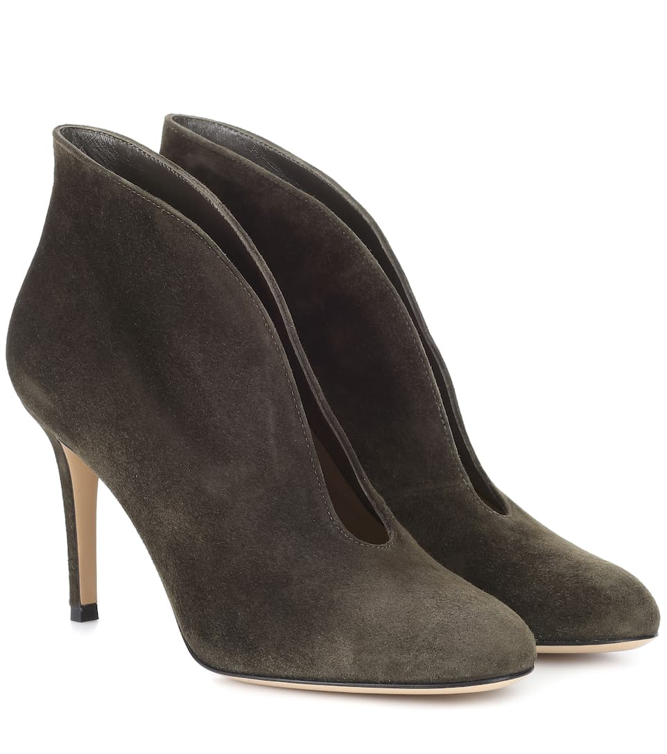Vamp 85 Suede Pumps by Gianvito Rossi