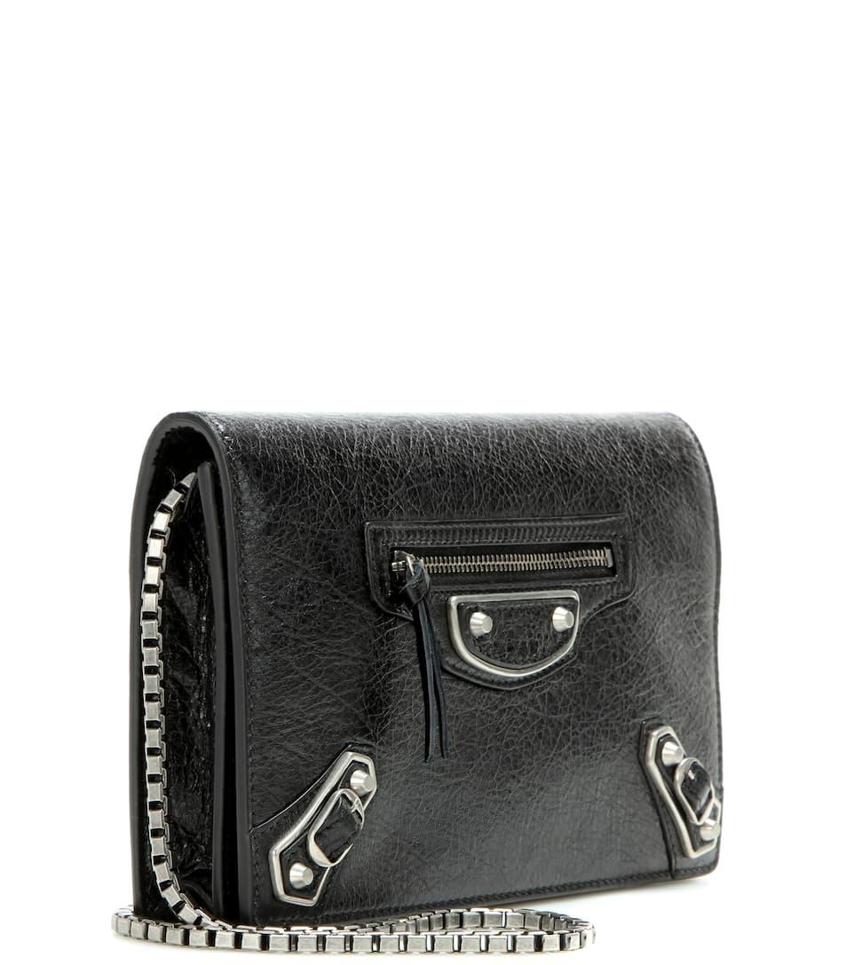 Balenciaga Schultertasche Giant Chain Wallet aus Leder