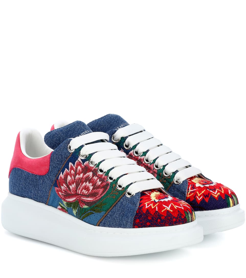 EMBROIDERED PLATFORM SNEAKERS