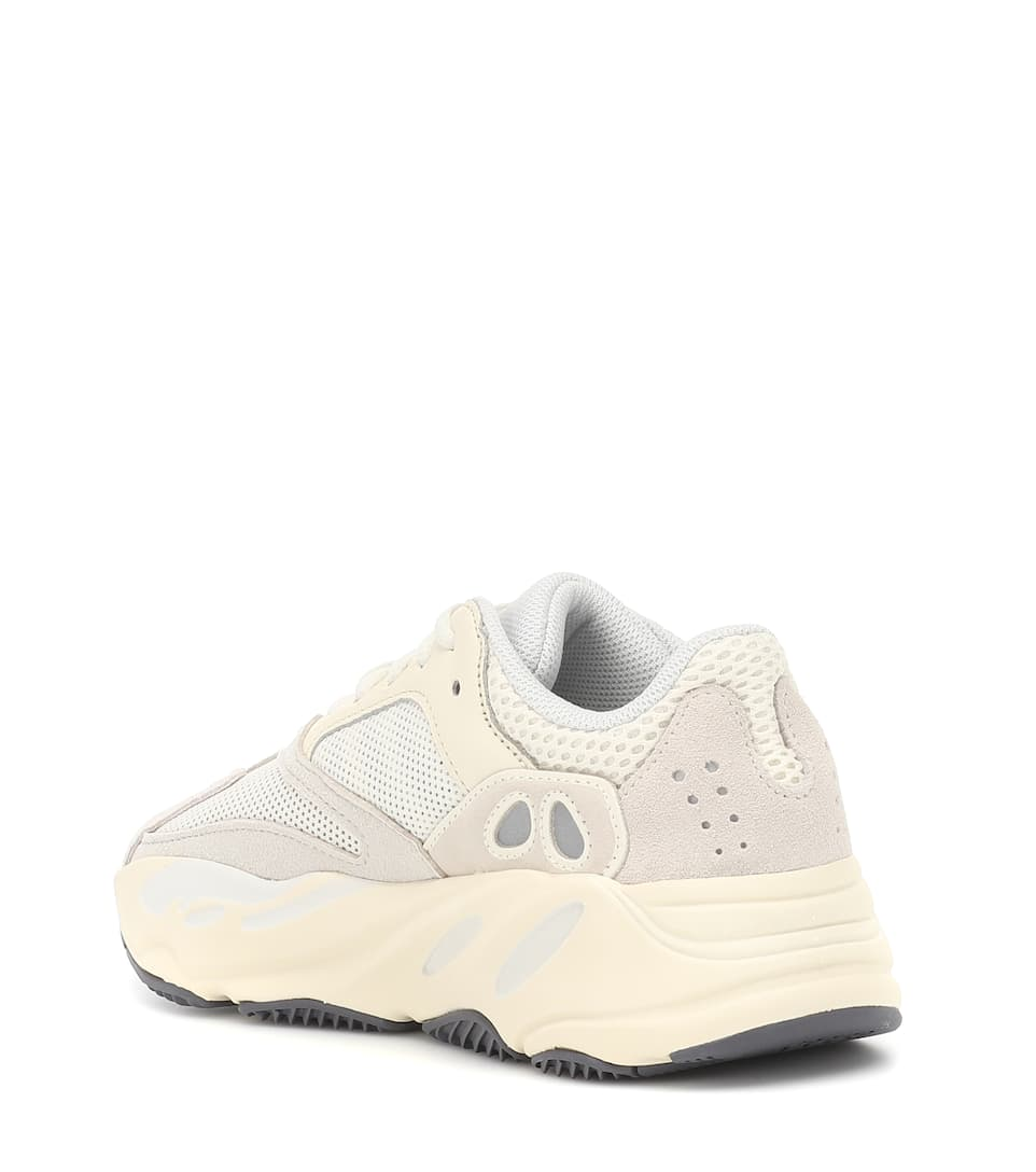 e204999b5c3ab Yeezy Boost 700 Sneakers