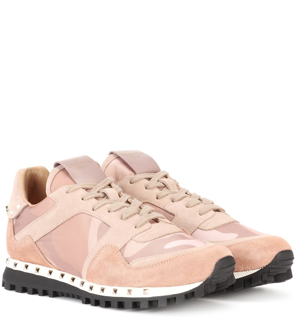 Valentino Valentino Garavani Soul Rockstud suede sneakers Skin/Soft Pink Cheap Ebay Online For Sale Outlet High Quality Sale Pay With Paypal Free Shipping 2018 Unisex jWUZf5f