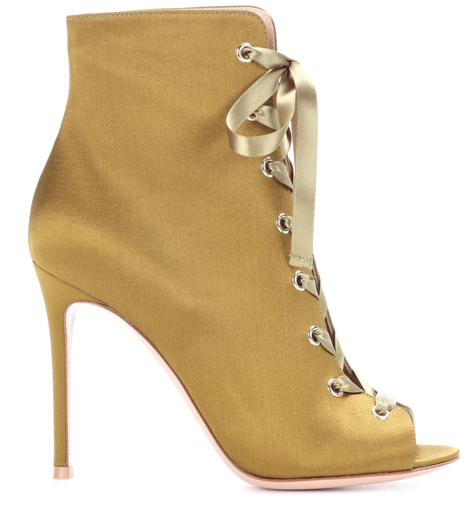 Gianvito Rossi Ankle Boots Marie aus Satin