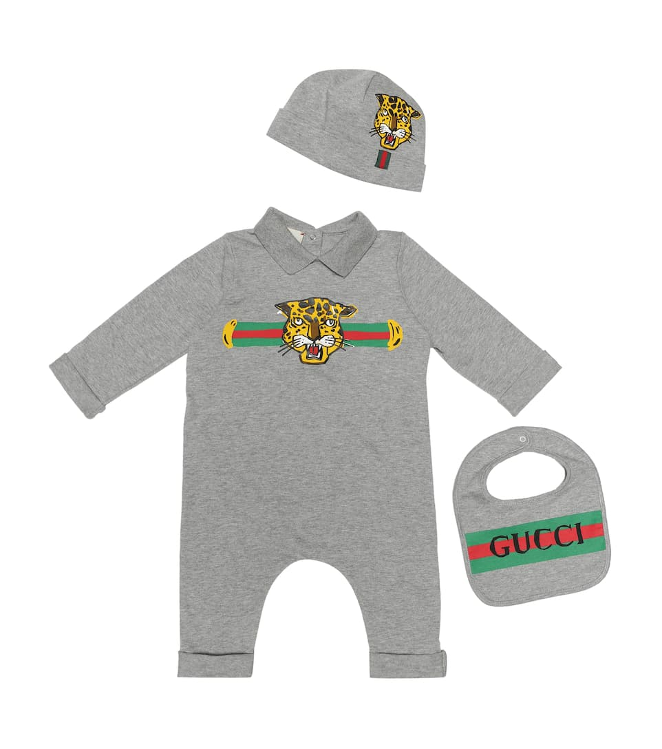 151b0515371944 Gucci Kids - Cotton onesie, bib and hat set | Mytheresa