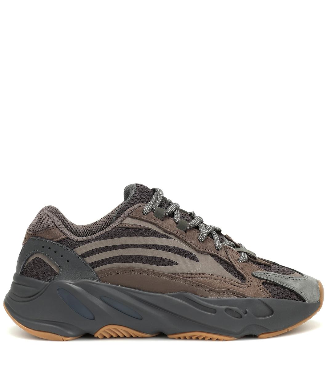 8456e0ec7ae2e Yeezy Boost 700 V2 Sneakers - Adidas Originals