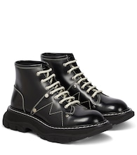 Tread patent-leather ankle boots