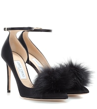 Rosa 100 satin pumps with clip-on fur pompoms