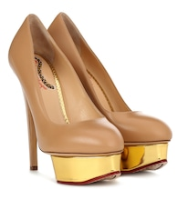 Pumps Dolly in pelle con plateau