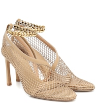 Chain-trimmed mesh pumps
