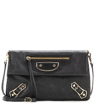 Classic Metallic Edge Envelope leather shoulder bag