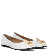 Logo leather ballet flats