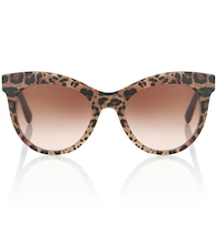 Leopard-printed sunglasses