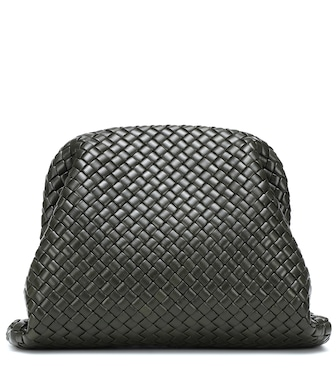 Bottega Veneta - Clutch The Pouch Large aus Leder - mytheresa.com