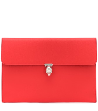 Alexander McQueen - Skull leather clutch - mytheresa.com