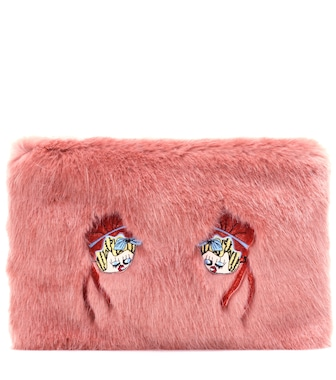 Shrimps - Bonnie faux fur clutch - mytheresa.com