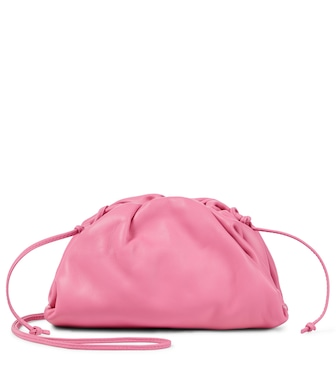 Bottega Veneta - كلاتش من الجلد The Pouch Small - mytheresa.com