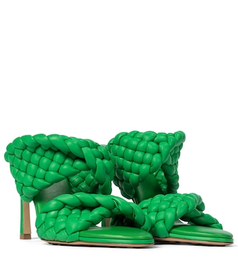 Bottega Veneta - BV Curve leather sandals - mytheresa.com