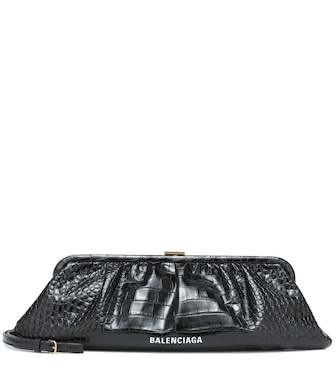 Balenciaga - Clutch Cloud XL aus Leder - mytheresa.com