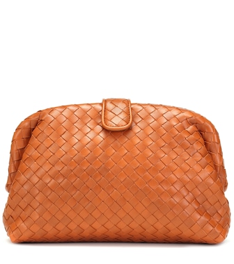Bottega Veneta - The Lauren 1980 leather clutch - mytheresa.com