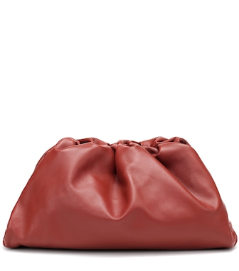 Bottega Veneta - The Pouch leather clutch - mytheresa.com