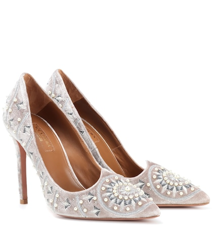 Stellar embellished velvet pumps