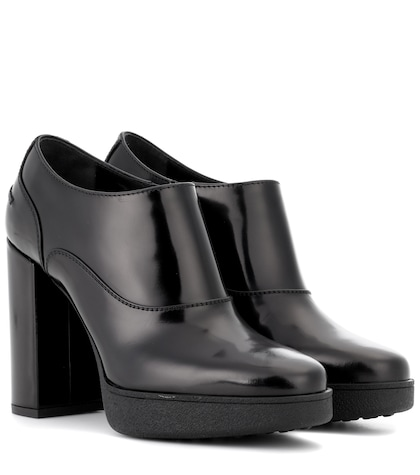 Polished leather ankle boots