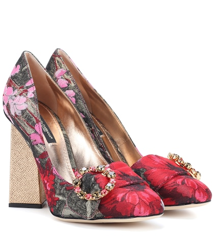 Brocade pumps