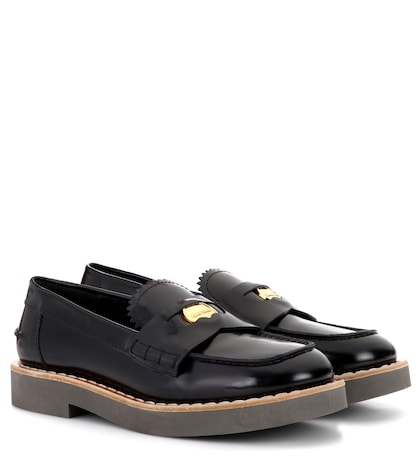 Glossed leather loafers