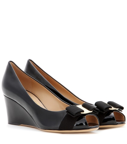 Sissi patent leather wedges