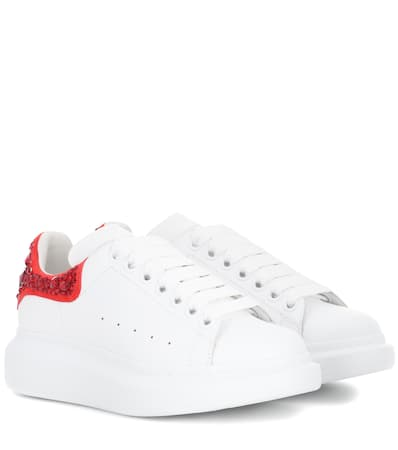 Preiswerte Neue Billig Verkaufen Pick Eine Beste Alexander Mcqueen Verzierte Sneakers Aus Leder Weiß/lust Red Freiraum Für Verkauf Bestes Großhandel Online ttGvQzvhaV