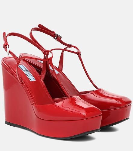 Sandales à plateforme en cuir verni - Prada - Modalova