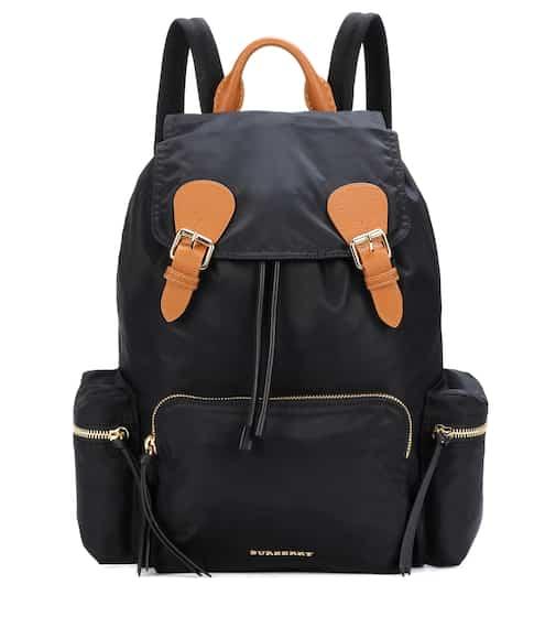 버버리 레더 트리밍 백팩 라지 블랙 (한효주, 아이유, 고준희 착용) Burberry The Large leather-trimmed backpack