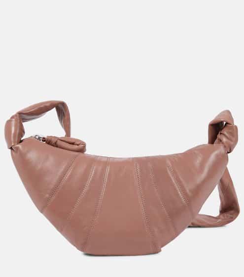 21 PRE FALL 르메르 크로와상 범백 스몰 - 더스티 로즈 (다수 연예인 착용) Lemaire Croissant Small leather crossbody bag