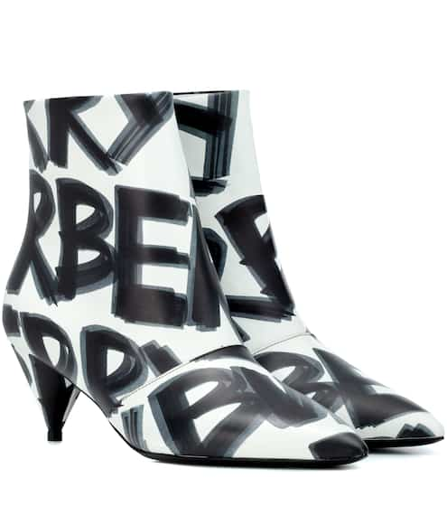 버버리 Burberry Graffiti leather ankle boots