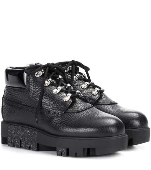 Acne Studios Boots Tinne aus genarbtem Leder und Shearling